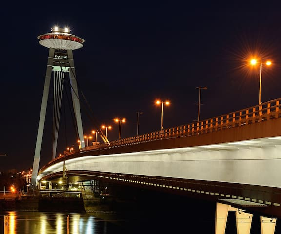 You can have romantic walk through iconic UFO bridge and its restaurant with best view.