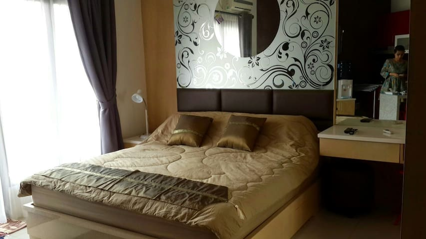 Cozy Studio Apartment Close to SCBD - Setiabudi - Leilighet