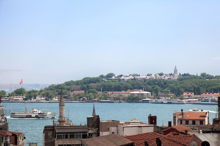 Topkapi Palace and Sea view from the French balcony...