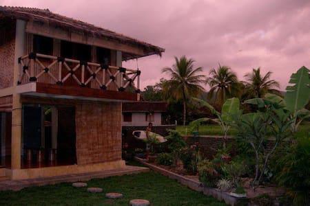 Chill House Cimaja - Cottage - Cimaja