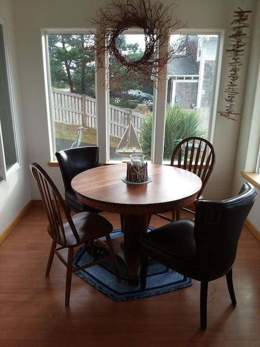 Cozy dinning room to have your morning beverage and Breakfast served at your convenience.