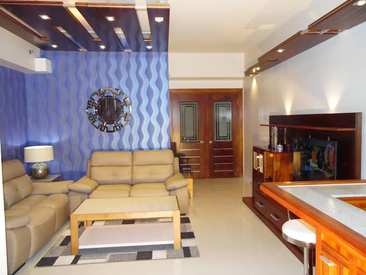 New Lux. 2BR condo across AyalaMall