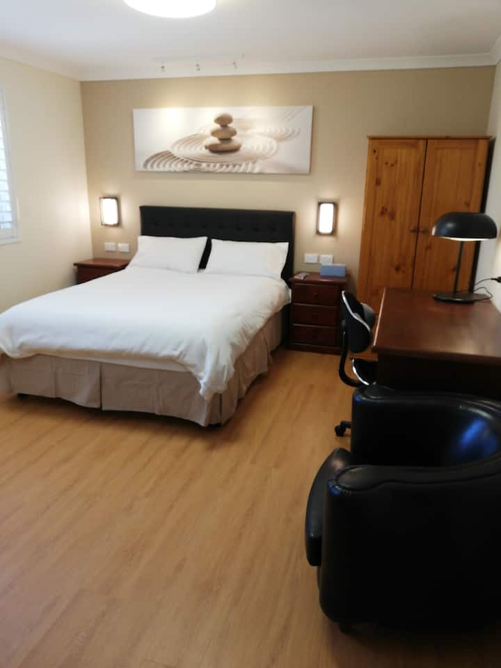 BUSINESS&HOLIDAY ACCOMMODATION (Room 4)