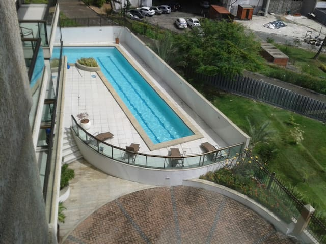 Ap completo em Salvador Vista Mar - Salvador - Apartemen