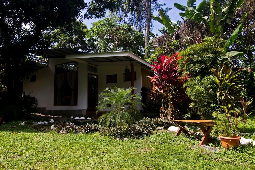 Tropical Beach Villa - Peahi
