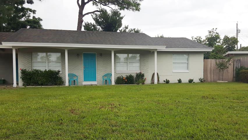 Quiet & Safe Central Florida Retreat