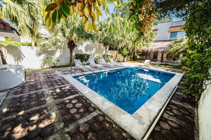 Cozy 2BR  home downtown Cozumel with shared pool!