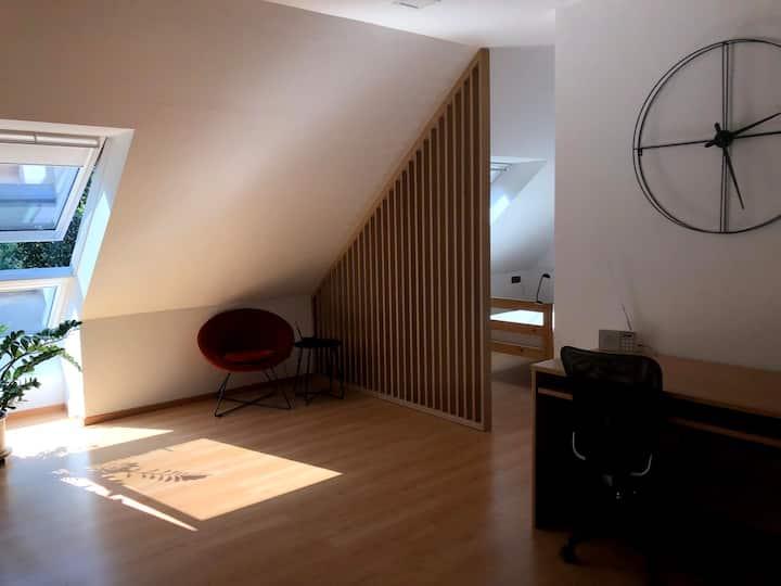 Grand studio dans un quartier calme et vert à LLN