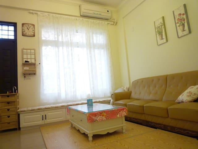 Lovely farm house,5mins to center-A - Miaoli City,苗栗市 - Hus