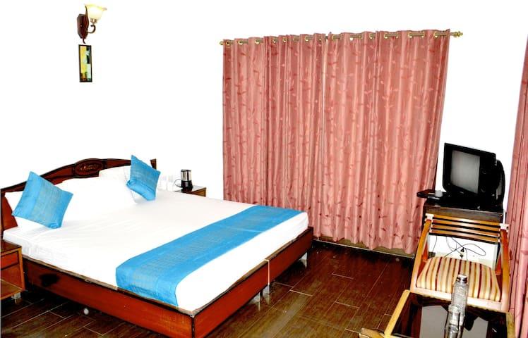 Blossom Resort - Kasauli - Rumah