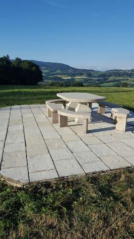 Table extérieure des Chevaliers