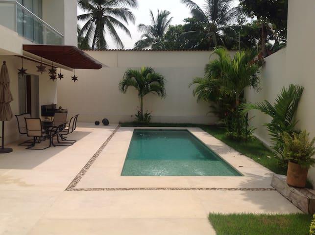 Mis Amores 2 - Puerto Vallarta - Bed & Breakfast