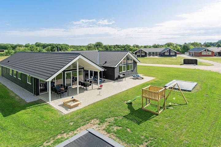 5 star holiday home in Grenaa