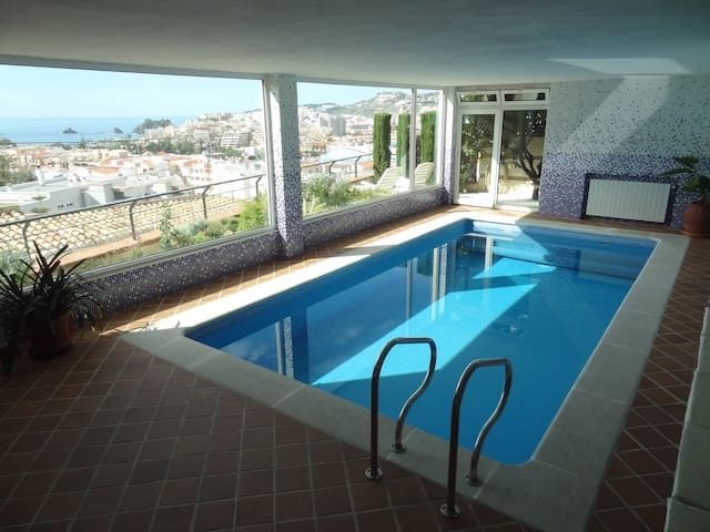 Apt. swimming pool solarium & views - Almuñécar - Huis