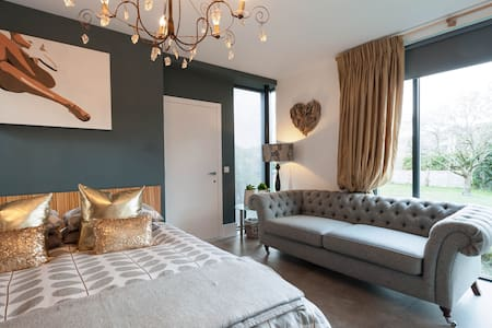 Boutique room in heart of Croyde - Andre