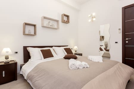 RELAIS 155 - Caravaggio Room - Rom - Bed & Breakfast