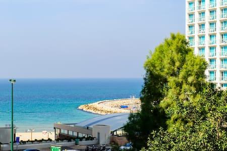 Full Beach View! Large Sun Terrace - Tel Aviv - Wohnung