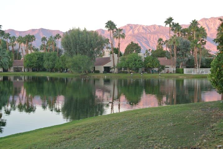 Lakefront Modern Spanish Hacienda! - Palm Springs - Byhus