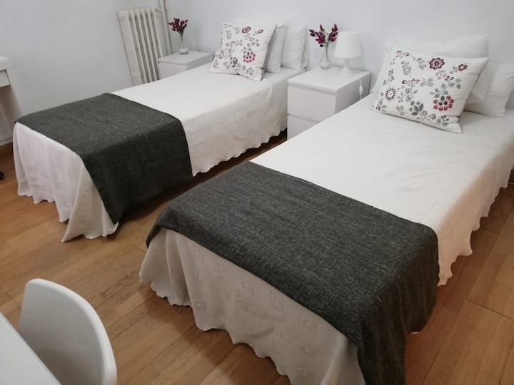 Habitación privada doble en Madrid Chamberí.