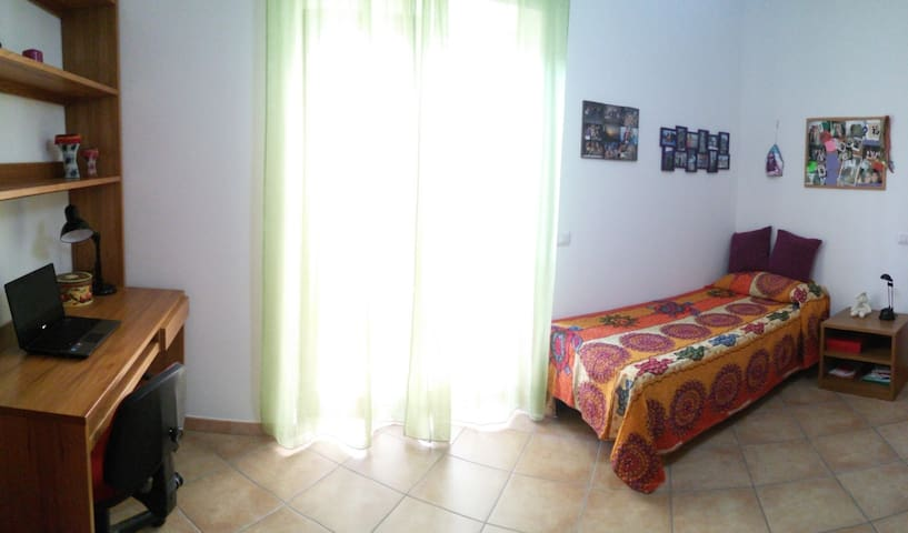 Luminosa stanza singola - Comfortable private room - Roma - Apartemen