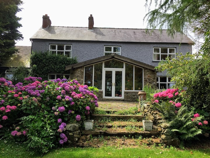 Farmhouse in the beautiful  Tullyroan countryside