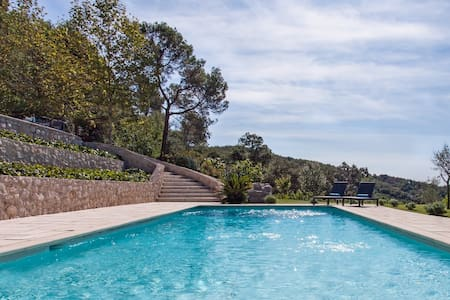 Gorgeous villa and pool which is just ten minutes away from Cannes and sea - Pegomas - Casa de camp