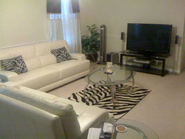 ultra modern 2br apartment - Nova Orleans - Apartamento