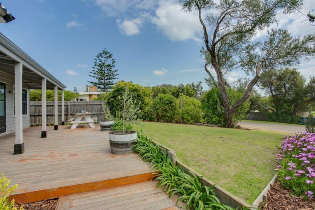 Blakiston House -Front Garden