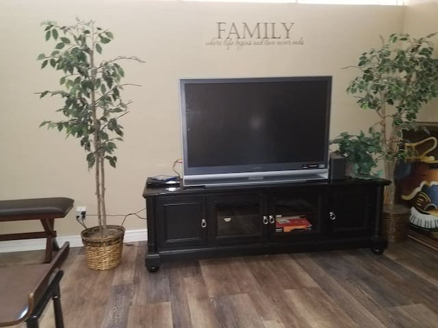 "Military/Family-friendly ""Home Away from Home"""