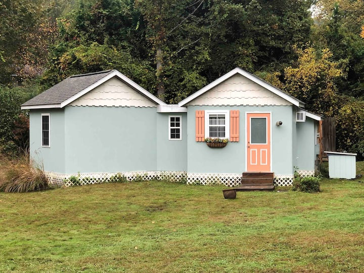 Adorable cottage, 10min. to Downtown