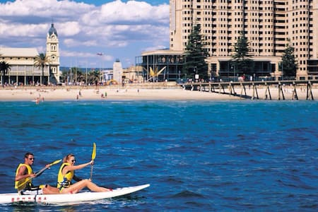 Beachhouse! Beach front in Glenelg - Glenelg