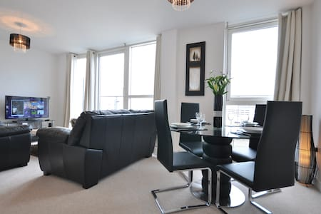 Luxury 1 bed penthouse apartment - Hemel Hempstead