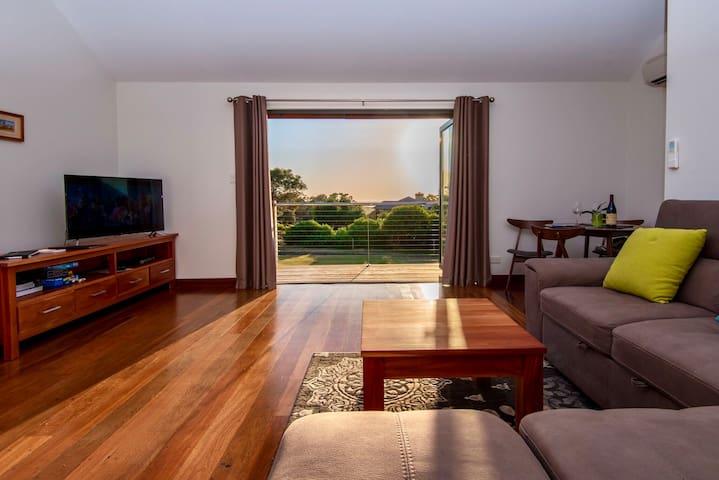 Apartment on St Alouarn, spacious and sea views