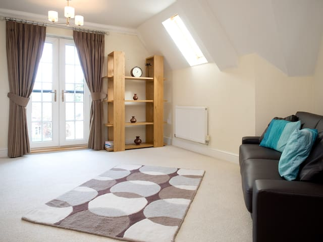 Luxury 2 bed flat near Watford junction - Watford - Apartment