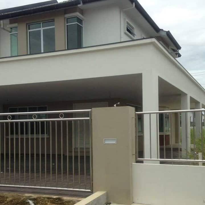 HOME STAY MURAH KOTA SEMARAHAN