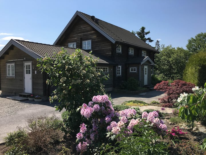 Cosy and beautiful villa 15 km from Stockholm C