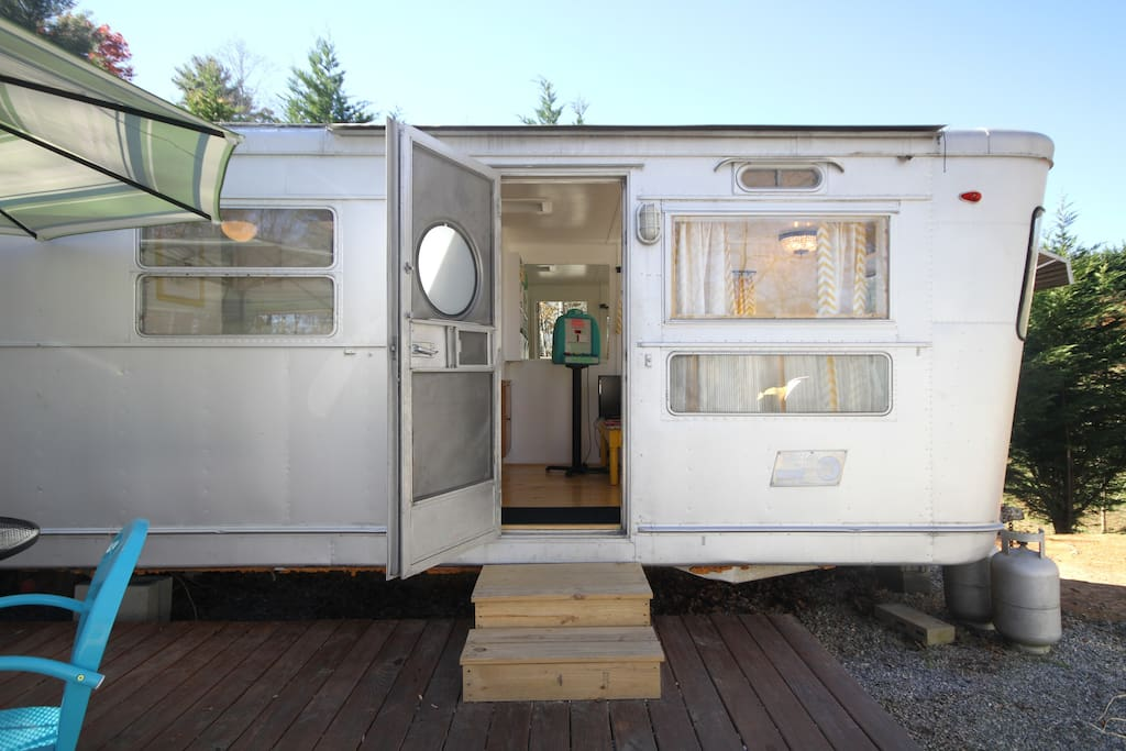 The Silver Bettie is Asheville Glamping's finest luxury trailer- a luxurious 1955 Spartan Manor!311q