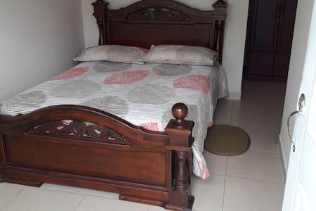 Habitación privada con Cama Doble - Bugalagrande