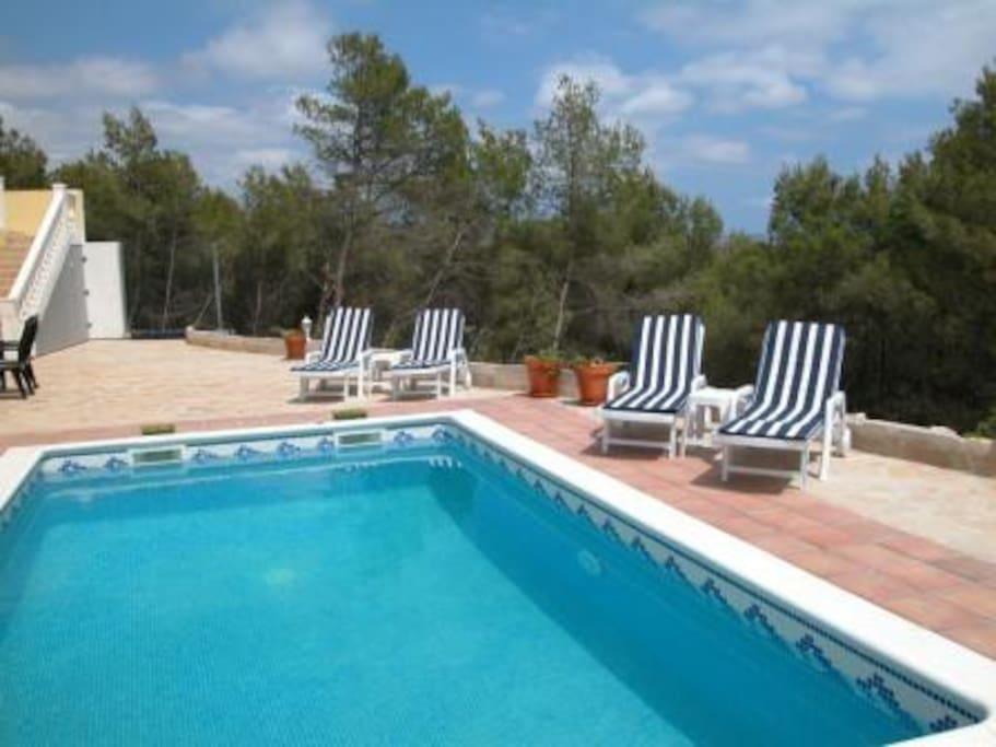 Villa sunshine con piscina privada villas louer for Villas con piscina privada