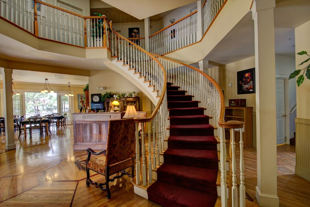 The Currier Inn... lobby and spiral staircase to the George Currier Room