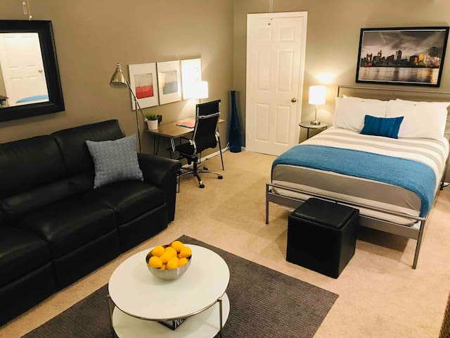Private Guest Suite Near Downtown