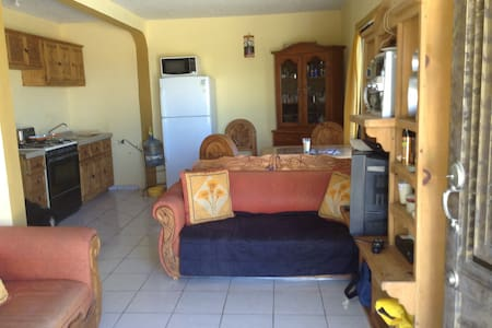 Two Bedroom House.2 Blocks to Beach - La Ventana - House