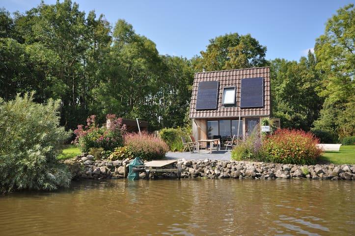 Vakantiehuis 18 aan elfstedenroute nabij Dokkum - Jannum - Houten huisje
