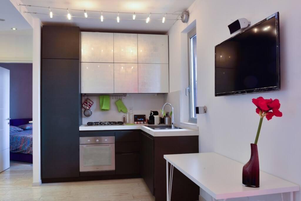 cucina attrezzata, fully equipped kitchen (fridge,oven,dishwasher,Nespresso coffe maker)
