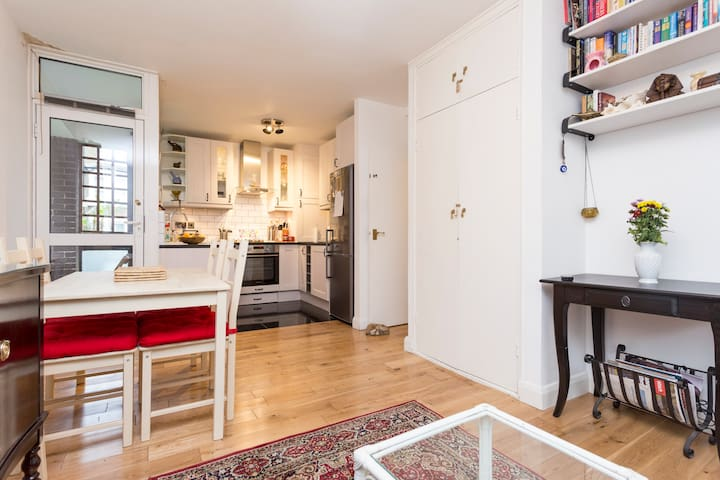 Lovely, Cosy Bright flat in Camden