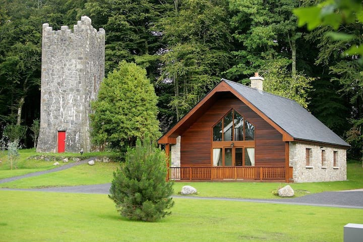 Mount Falcon, Woodland Lodges,  Ballina, Co.Mayo - 3 Bed - Sleeps 6 - Ballina - Casa