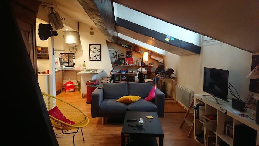 Joli studio spacieux Edgar Quinet