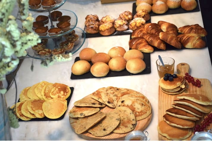 Partnership with DA TERRA restaurant for breakfast, home delivery from 10 euros/person.