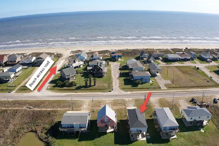 3 BR Surfside Beach House,  STEPS FROM THE OCEAN!