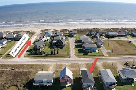 3 BR Surfside Beach House,  STEPS FROM THE OCEAN!